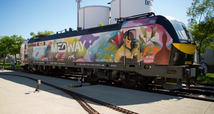 MEDWAY partners with Kruella D'Enfer to promote the train through Art